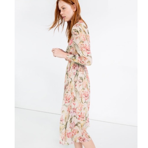 3bbdb893e8 Zara Dresses | Long Sleeve Floral Dress | Poshmark